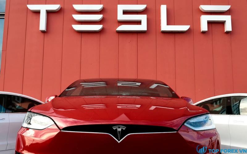 Cổ phiếu Tesla tăng lên