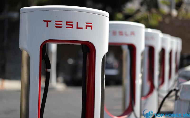 Tesla tham gia chỉ số S&P 500