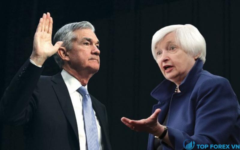 Yellen và Powell