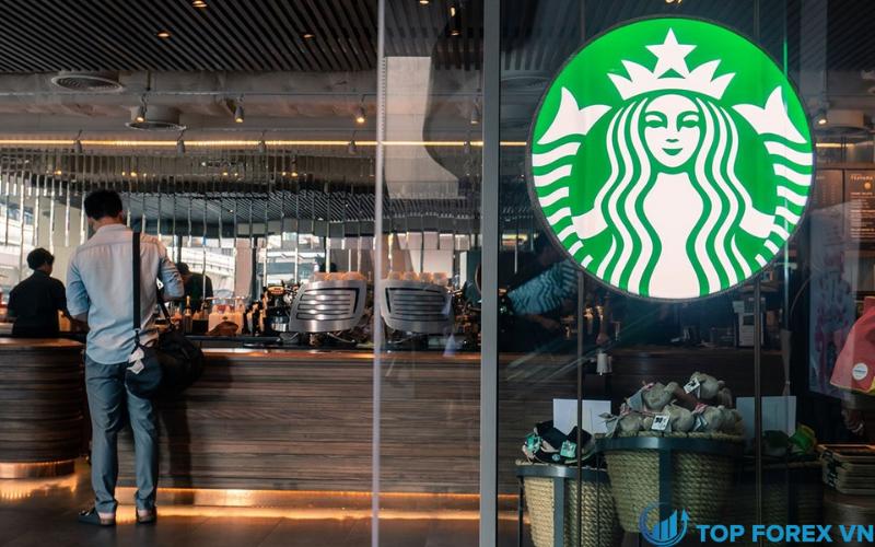 Starbucks đứng đầu ước tính thu nhập tăng