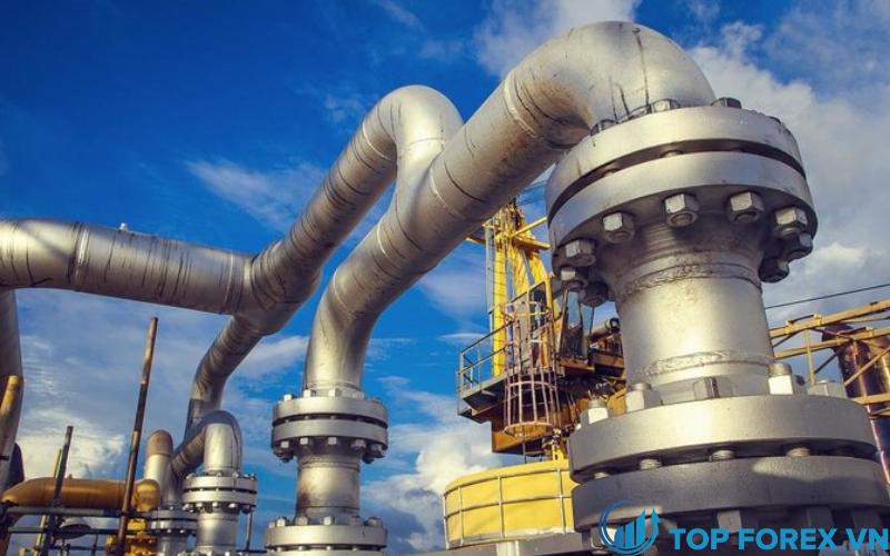 Giá dầu leo lên mức cao nhất trong hơn hai năm